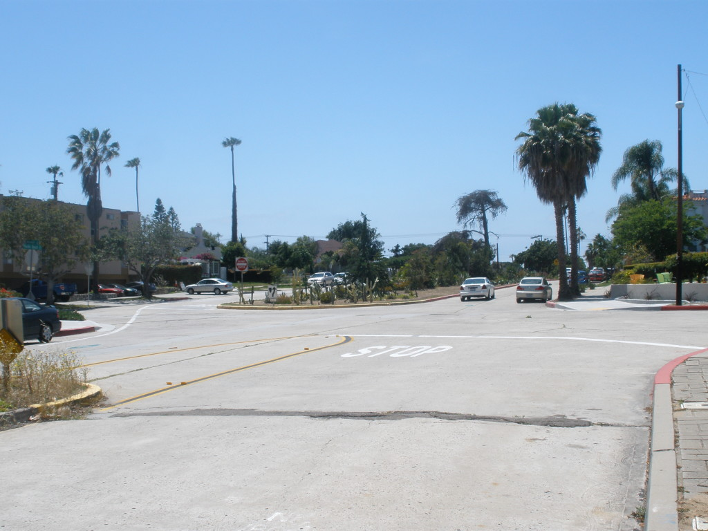 Pacific Beach Drive at Kendall Street